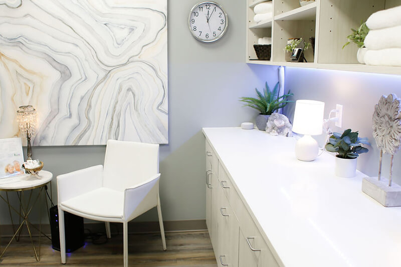 Emerge Midtown treatment room with counter and cabinets secondary view