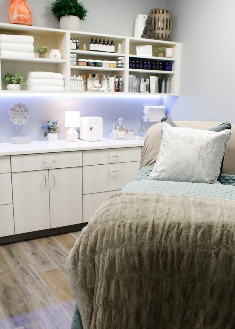 Emerge Midtown treatment room with pillows